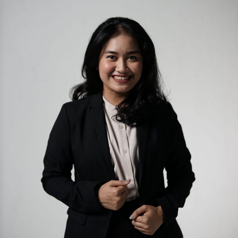 Gabriella Tiku Sarungu_Depan