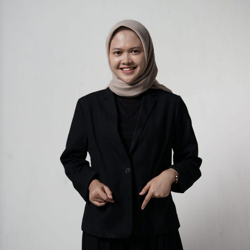 Raya Adhani (3) (Manager)