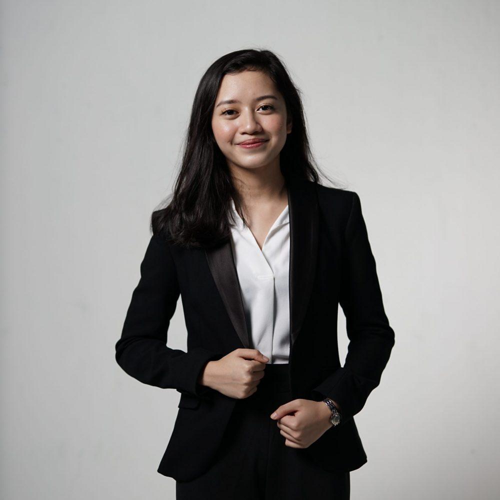 Saras Shintya Putri_Depan